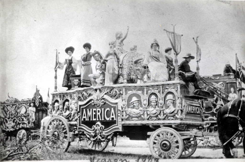 America Tableau in Parade