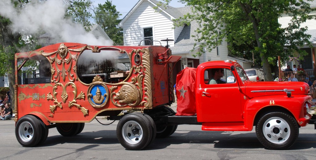The Old gentry bros. Steam Calliope in the Peru Circus parade